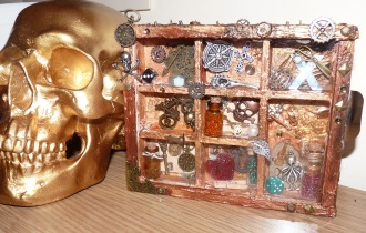 Steampunk Mini Box with skull