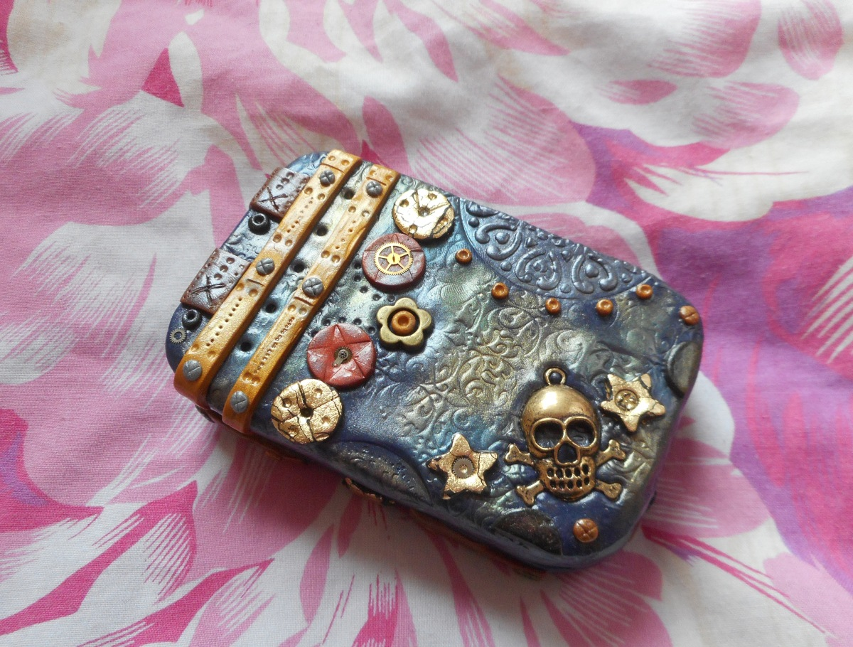 Steampunk Polymer Clay Tin – Tutorial