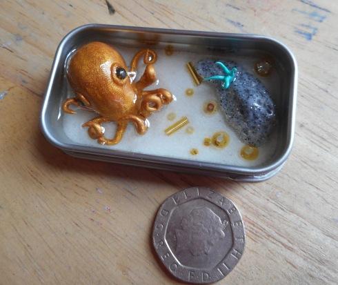 Gold octopus